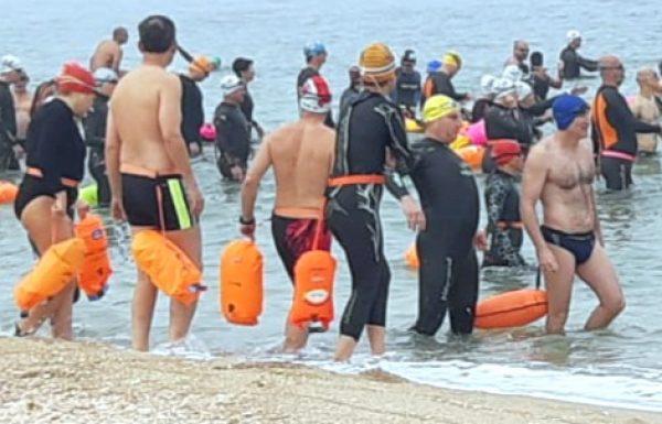 """מפגש חברתי """"שוחים עם נפטון"""" הבוקר בגן הלאומי חוף פלמחים"""