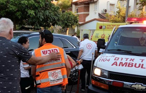 צוותי הרפואה של איחוד הצלה העניקו סיוע ראשוני לנער כבן 15 שנפצע בינוני ברחוב האוניה בראשון לציון