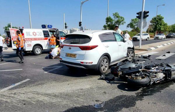 """רוכב אופנוע כבן 35 נהרג בתאונה ובנו בן ה 7 נפצע בצומת הרחובות רמז פינת תש""""ח בראשון לציון"""