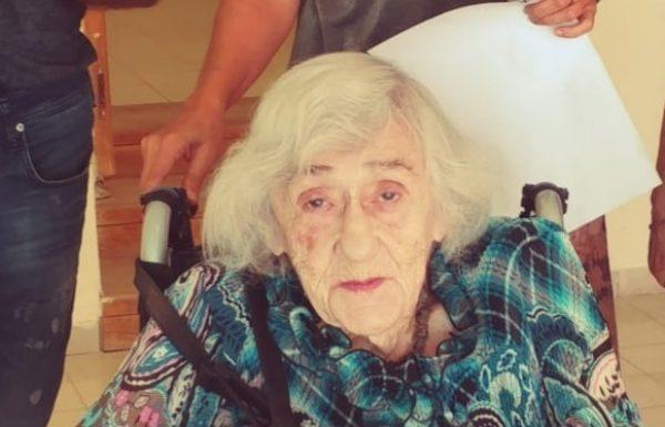 הני שקולניק בת 102 שנה היא שוחרת התרבות המבוגרת ביותר שפוקדת כל תערוכה שמתקיימת בראשון לציון