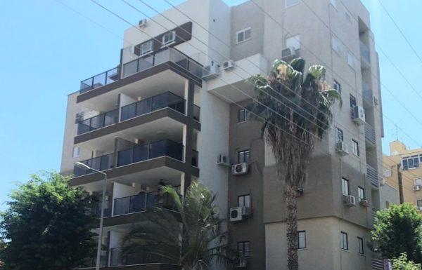 """500 בניינים בראשל""""צ עברו חידוש משמעותי בחזית הבניין ובלובי ,במסגרת הפרויקט כל דייר זכאי להלוואה בסך 35 אלף ש""""ח"""