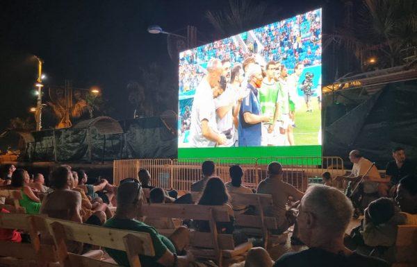 """ראש העירייה רז קינסטליך: """"מזמין את תושבי העיר ליהנות מחגיגת כדורגל בחוף הכי יפה בארץ"""""""
